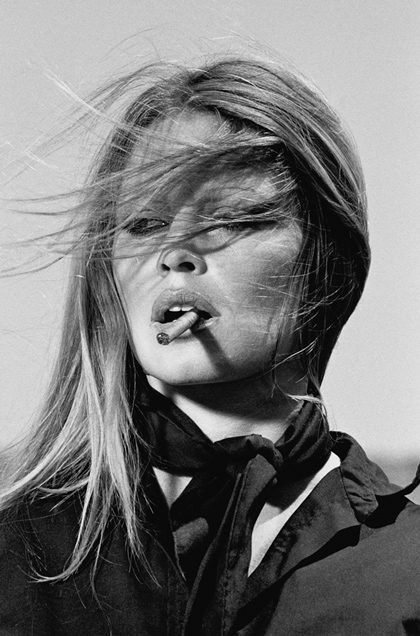 Brigitte_Bardot_cigar