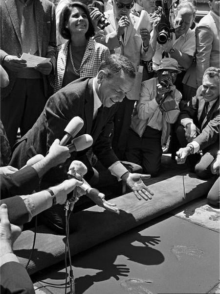 Frank-Sinatra-Cement