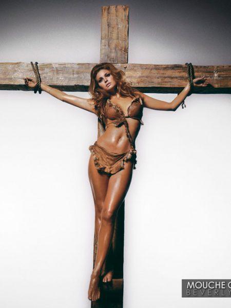 Raquel-Welch-Cross-LA