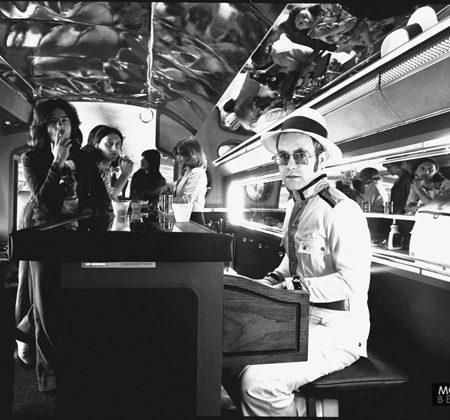 Elton-John-Plane