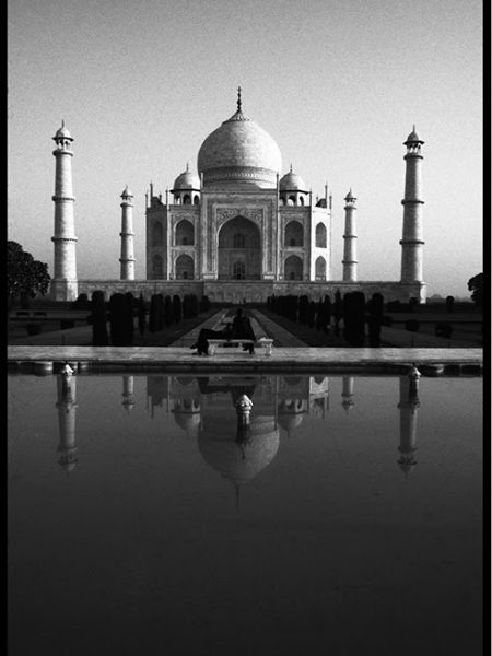Taj Mahal Lovers B&W A