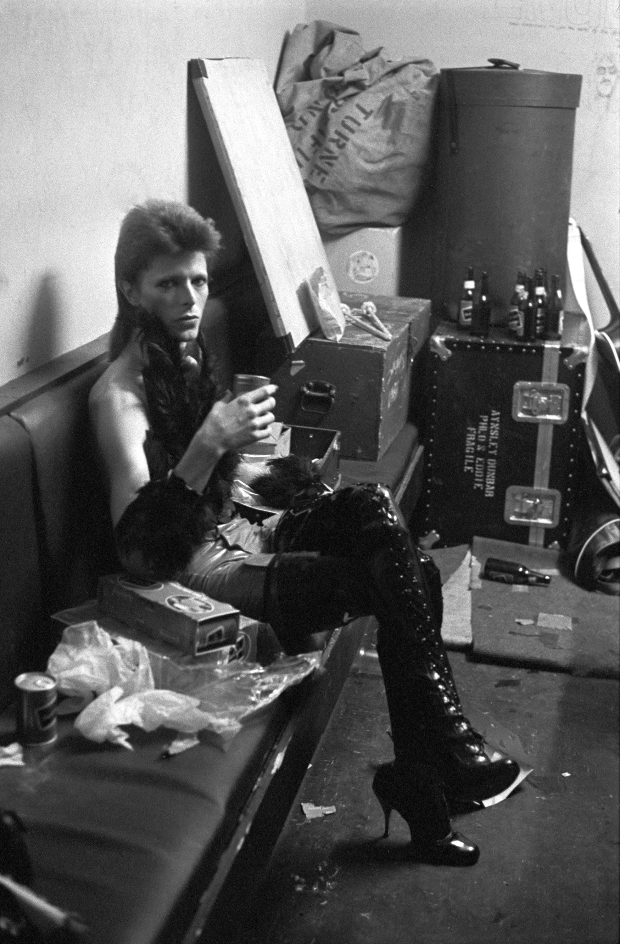 David bowie backstage by terry o 39 neill for 1980 floor show david bowie