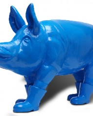 Cloned blue Father pig with boots (1)