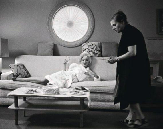 marilyn-monroe-paula-strasberg-1962
