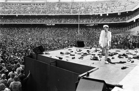 rolling stones mick jagger walking off stage with shoes on stage ANAHEIM, CALIFORNIA, 1978